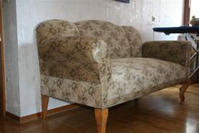 Foto 3 Antikes Zweisitzer-Sofa