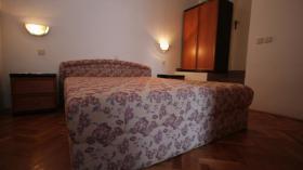 Foto 6 Appartementanlage MacAdams in Potonica-Novalja KROATIEN Ihr Appartement liegt in Potonica-Novaja, im nord-westlichen Gebiet der schönen Insel Pag. Der ideale Ort für einen ruhigen und erholsamen Urlaub. Das bietet Ihre Fewo Die Anlage verfügt über mehrere