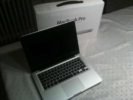 Apple MacBook Pro MC724D/ A 33.8 cm