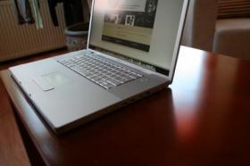 Foto 2 Apple MacBookPro 17` Modell A1261