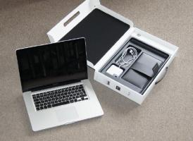 Apple MacBookPro (MB986D/A)