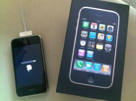 Apple iPhone 3G 16GB Black *Frei ab Werk* *Guter Zustand* + Zubeh�r
