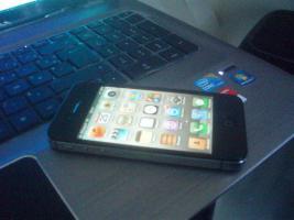 Apple iPhone 4S - 64GB schwarz