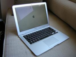 Apple - MacBook Air 13,3'' 2.13GHz 2GB (MC234D/A)