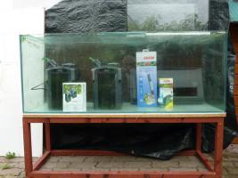 Foto 2 Aquarium mit Filter, Untergestell und Unterschrank