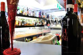 Attraktive Espressobar in Diano Marina an der ligurischen Riviera