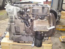 Audi A3 8P 2.0 FSI 150ps verschiendene Motorteile