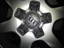 Foto 2 Audi Felgen 17 Zoll/225 fast neu
