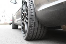 Audi VW Skoda Seat Mercedes 2xNEU: Verkaufe 245/35R18 Hankook S1 EVO Kompletträder auf ASA GT1 Felgen 18