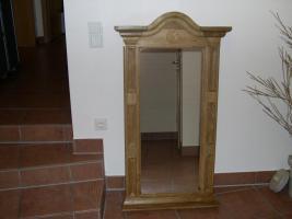 Aufgefallener Wandspiegel, Spiegel, Dielenspiegel. Rahmen massive Eiche gelaugt und gewachst. (Schreinerarbeit)