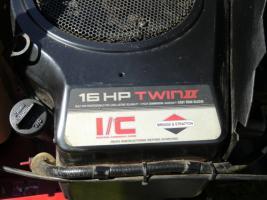 Foto 5 Aufsitzmäher  EK.Powertrac mit 16 PS ,2 Zylinder Boxermotor