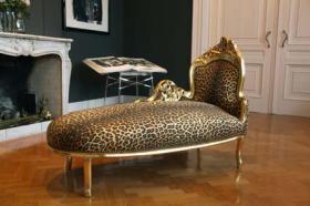 Foto 4 Ausgefallene Barock und Rokoko Möbel in schrillen Farben