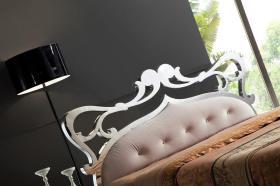 Foto 2 Ausgefallenes Stilvolles Italien Design Bett Athena aus Holz Edelstahl