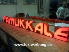 Foto 25 Außenwerbung Leuchtreklame Leuchtwerbung Leuchtkästen Leuchtbuchstaben beleuchtete Schriftzüge 3D LED Einzelbuchstaben Reklame Werbung   Gewerbeimmobilien 3D LED RGB