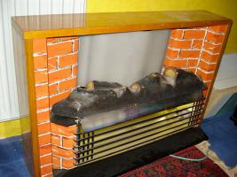Foto 2 Außergewöhnlicher Heizkorper in Form einer Kamine, Wärmend mit Licht !! Kunstoff Kamine 60- 70er : Voll funktionfähig