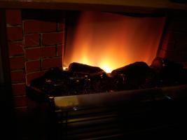 Foto 6 Außergewöhnlicher Heizkorper in Form einer Kamine, Wärmend mit Licht !! Kunstoff Kamine 60- 70er : Voll funktionfähig