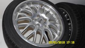 Foto 6 Auto Reifen mit Felge