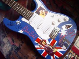 Foto 6 Autogramme...Gitarren...LP''s
