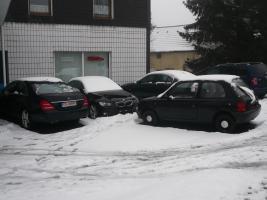 Autohausstellpl�tze+B�ro an einer Hauptstra�e Wittens