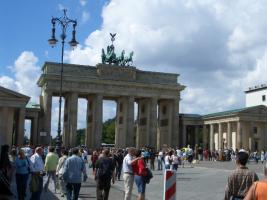 BERLIN FERIENWOHNUNG MONTEURZIMMER BRANDENBURGER TOR POTSDAMER PLATZ