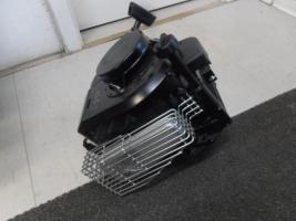 Foto 2 B&S Motor für Rasenmäher 4,5PS , NEU