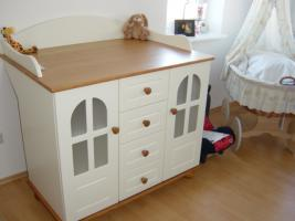 babym bel hiacynt babybett wickelkommode regal in berlin von privat. Black Bedroom Furniture Sets. Home Design Ideas