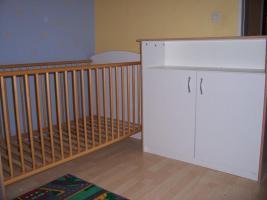 Babyzimmer Kinderzimmer komplett Schrank Wickelkommode Bett Regal