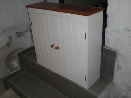 Foto 2 Badmöbel ( moderner Hängeschrank und dazugehöriger Spiegelschrank)