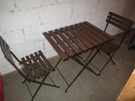Balkontisch und 2x Balkon Stühle zu verkaufen