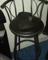 Barhocker, Tisch und Stühle....