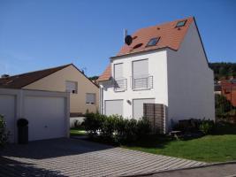 Baugrundstück für DHH mit Garage/Weinstadt-Strümpfelbach