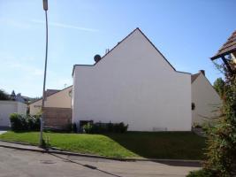 Foto 2 Baugrundstück für DHH mit Garage/Weinstadt-Strümpfelbach