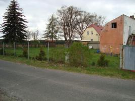 Foto 2 Baugrundstück mit Haushälfte