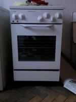 Bauknecht Kühlschrank und AEG Standherd
