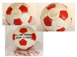 Bayern München, Fußball mit Originalunterschriften