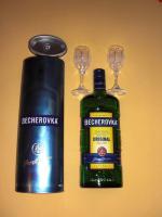 Becherovka 0,7 Ltr. mit 2 Kristallgläsern