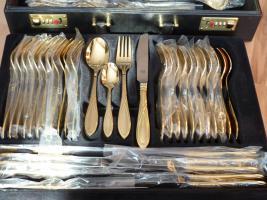 Foto 2 Besteckkoffer von SB 24 Karat Hartvergoldet komplett für 12 Personen mit zahlreichen Vorlegeteilen in Originalkoffer und unbenutzt