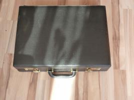 Foto 6 Besteckkoffer von SB 24 Karat Hartvergoldet komplett für 12 Personen mit zahlreichen Vorlegeteilen in Originalkoffer und unbenutzt