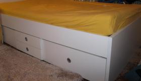 Bett mit der Breite 120 cm