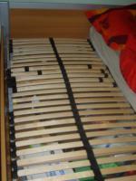 Foto 2 Bett mit Lattenrost