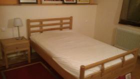 Bett und Nachtkästchen ''grüne Linie''