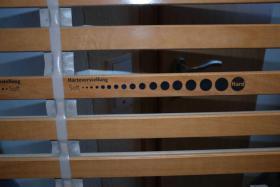 Foto 5 Bett massiv Kiefer mit Lattenrost und Matratze (140x200cm)