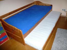 Bett, Kiefer massiv, lackiert, Bettkasten