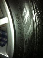 Foto 3 Biete hier meine Originalen VW Felgen mit Reifen an, wurden zwei Sommer gefahren und sind in einem sehr guten zustand, hinten sind 235/45/17 drauf und haben noch 7 mm profil und vorne sind 225/45/17 drauf und können noch einen Sommer lang gefahren werden.