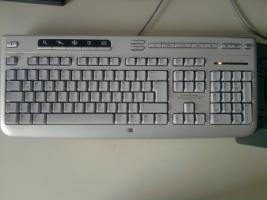 Foto 8 Biete einen PC von HP.