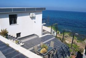 Biete Wunderschöne Villa am Meer in Spanien zu verkaufen