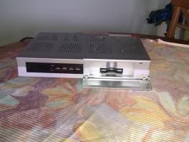 Foto 2 Biete digitalen Humax Sat Receiver zum Verkauf an