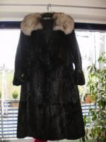 Foto 5 Biete hier sehr Schönen Pelzmantel zum Verkauf an