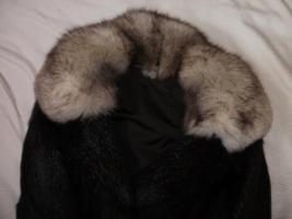 Foto 6 Biete hier sehr Schönen Pelzmantel zum Verkauf an