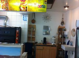 Foto 5 Biete, Imbiss / Doner / Pizza , mit kompletem Inventarund Sitzmoglichkeiten.